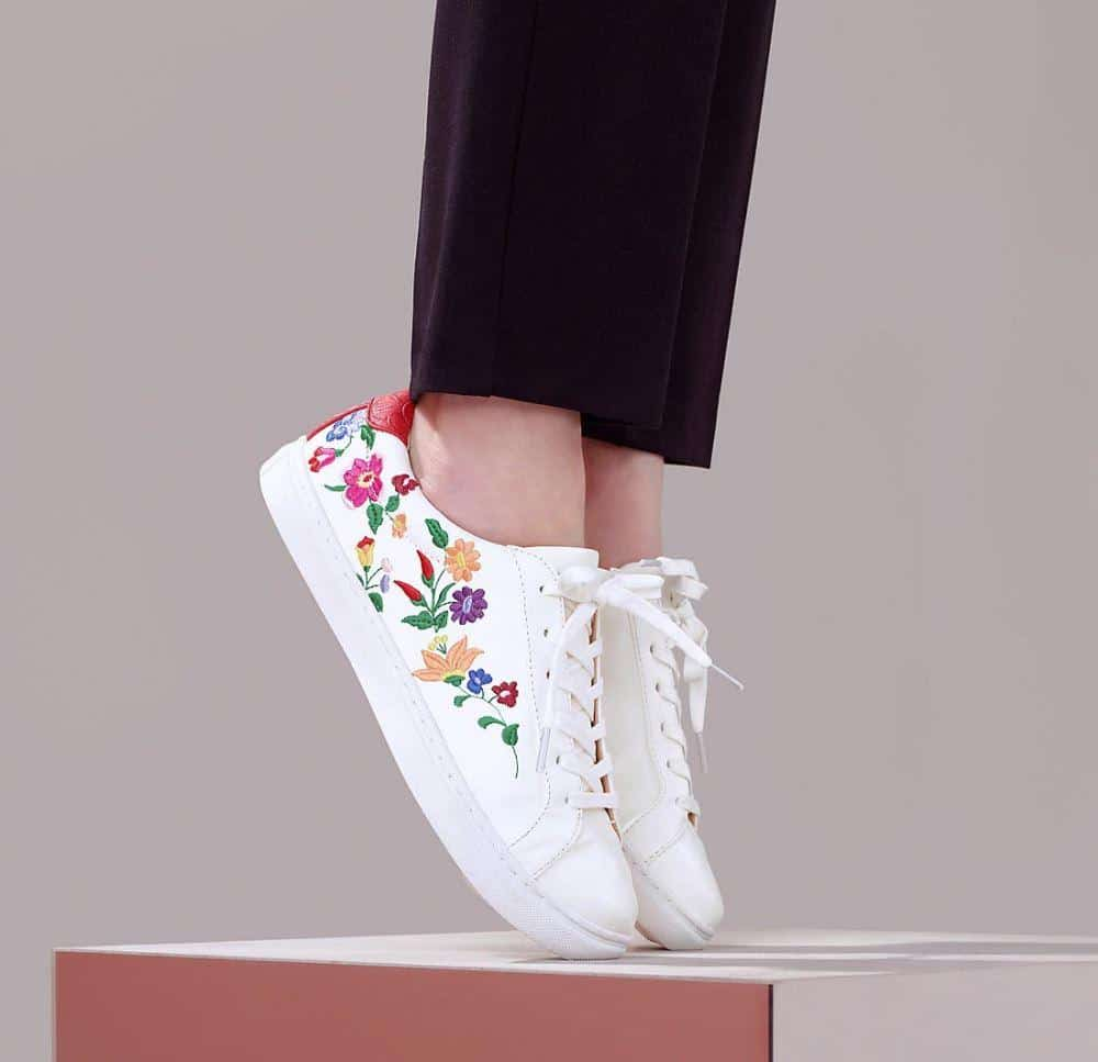 những mẫu giày nữ hot nhất hiện nay