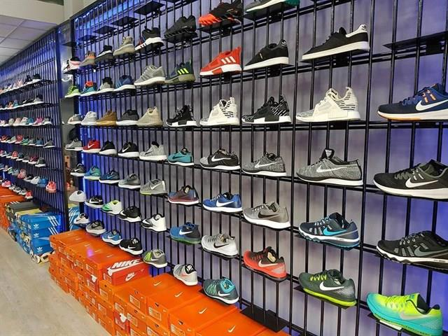 shop giày thể thao nữ hcm hồ chí minh