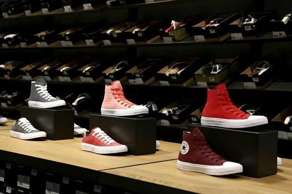 shop sneaker hcm