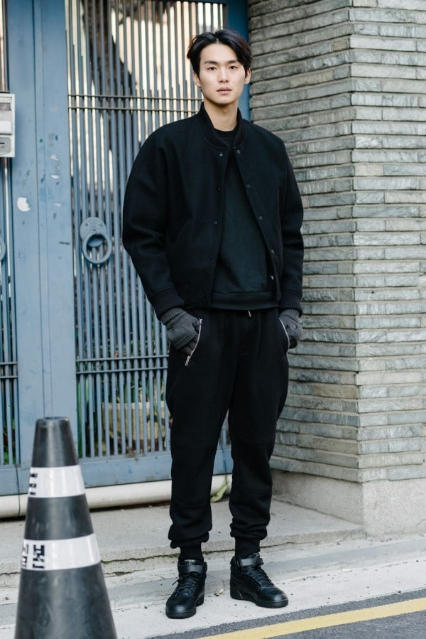 áo đen nên kết hợp với quần màu gì