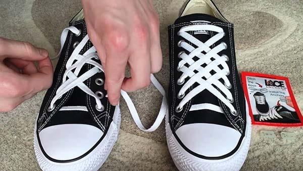 buộc dây giày converse