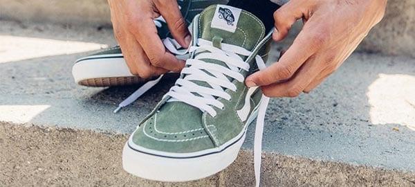 Buộc chéo - cách xỏ dây giày Vans đơn giản nhất