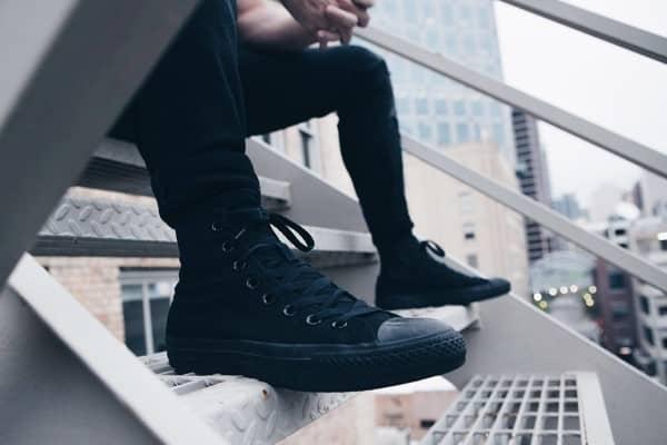 giày converse màu đen